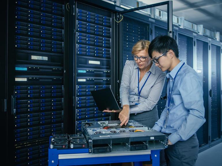 Penyedia perkhidmatan IT Interaktif mendapat perhatian dari syarikat teknologi untuk taktik firmware monopoli